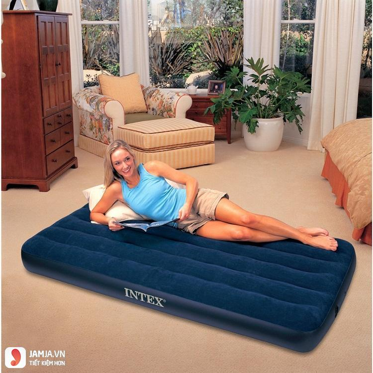 Có nên dùng giường bơm hơi