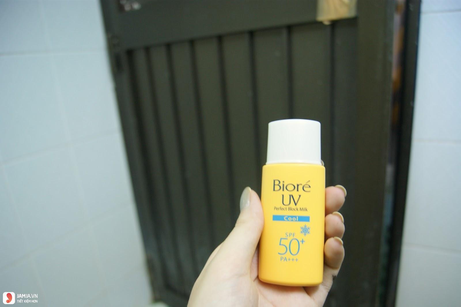 Kem chống nắng Biore Perfect Block Milk Cool 4
