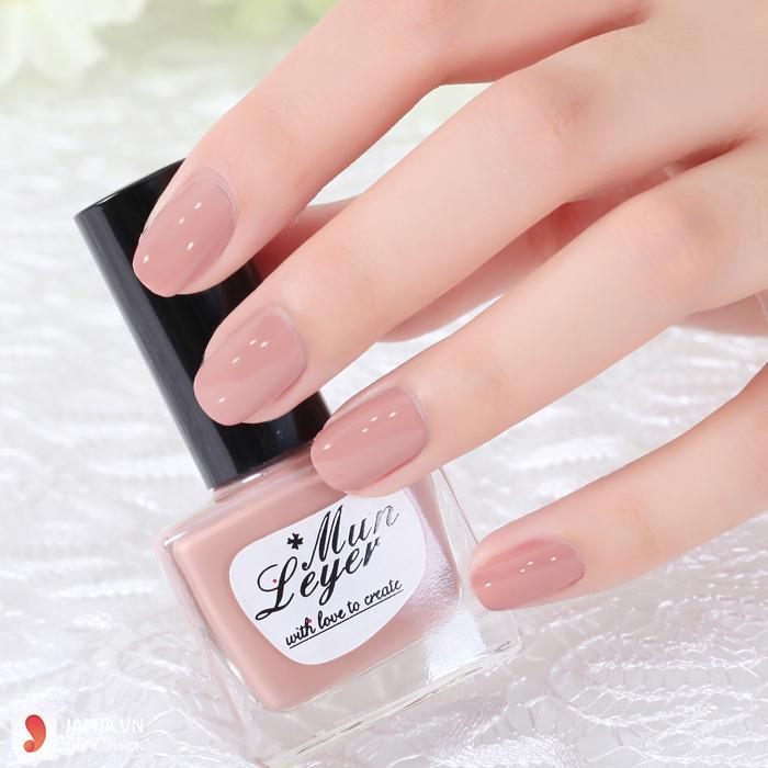 Sơn móng tay màu nude đẹp
