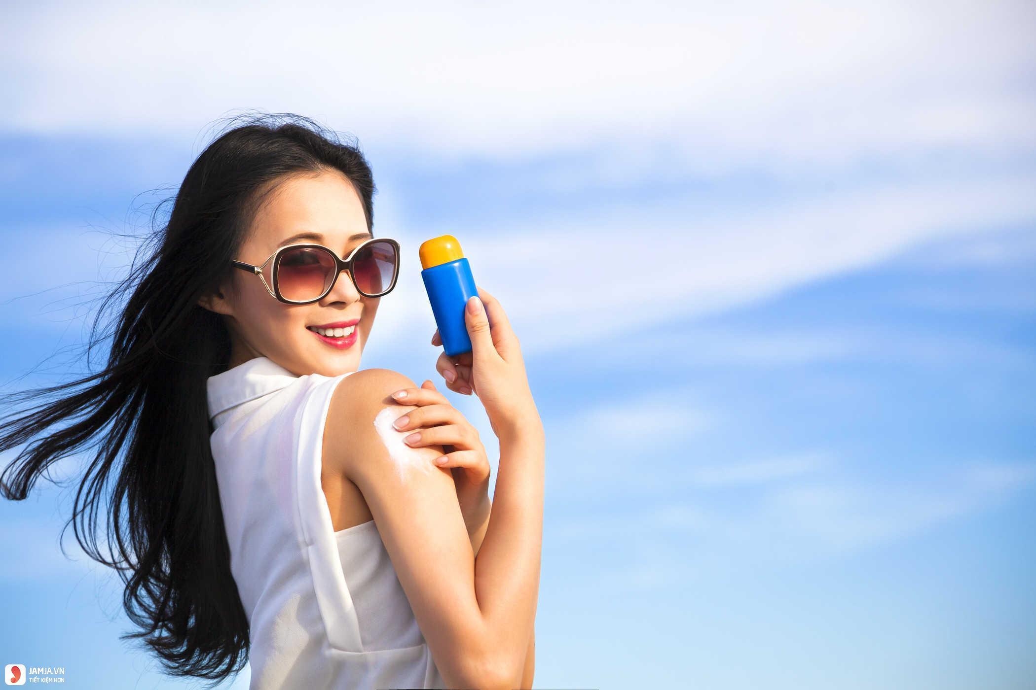 Một số tác dụng phụ khi dùng kem chống nắng 3