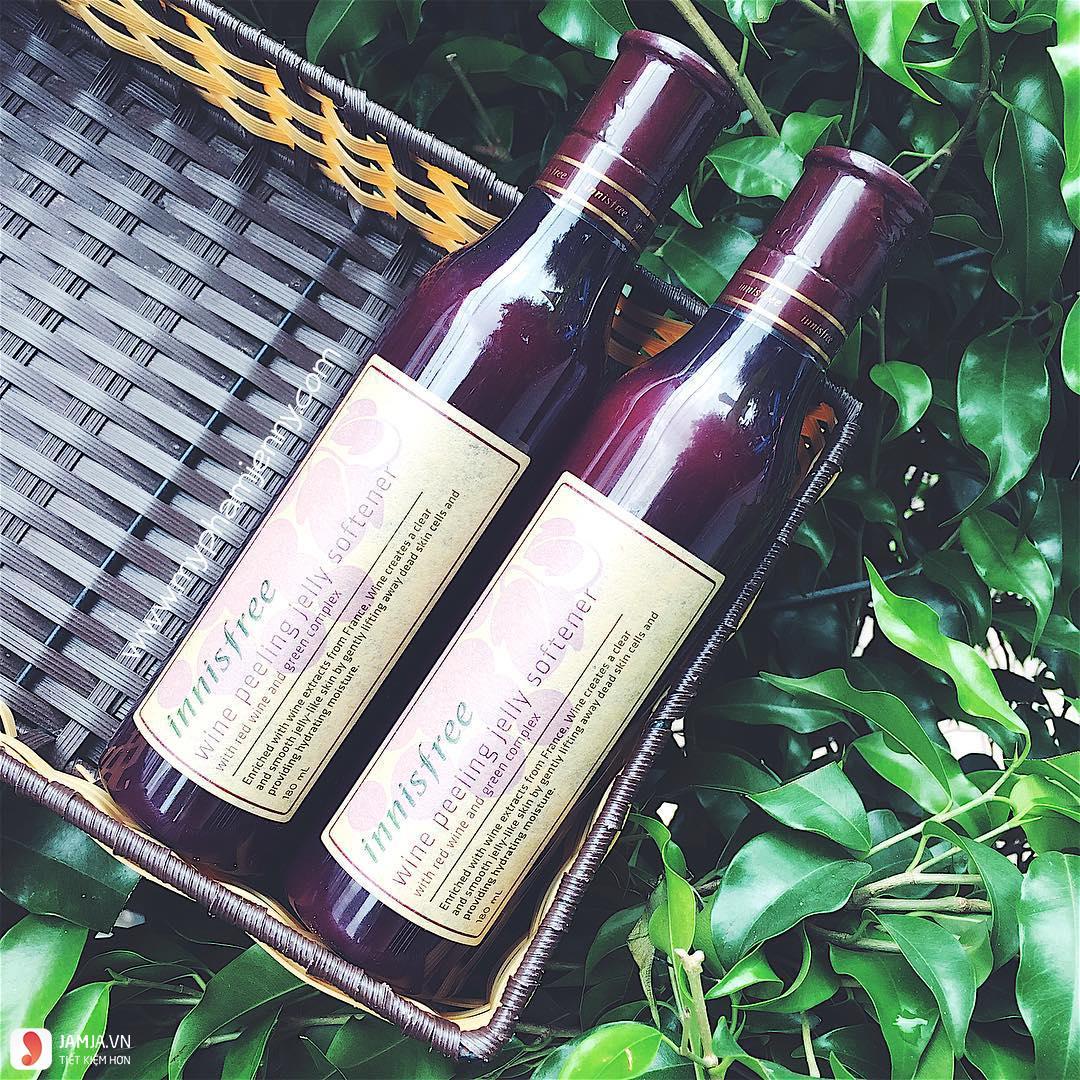 Tẩy da chết Innisfree Wine Peeling Jelly Softener