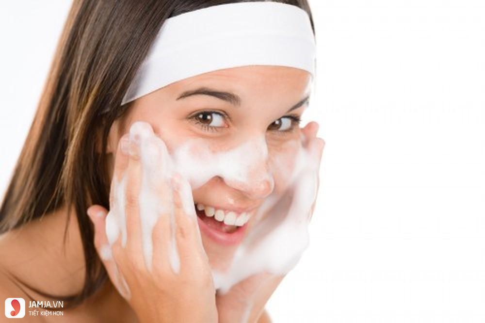 Các bước chăm sóc da mặt cơ bản mà mọi cô nàng nên biết