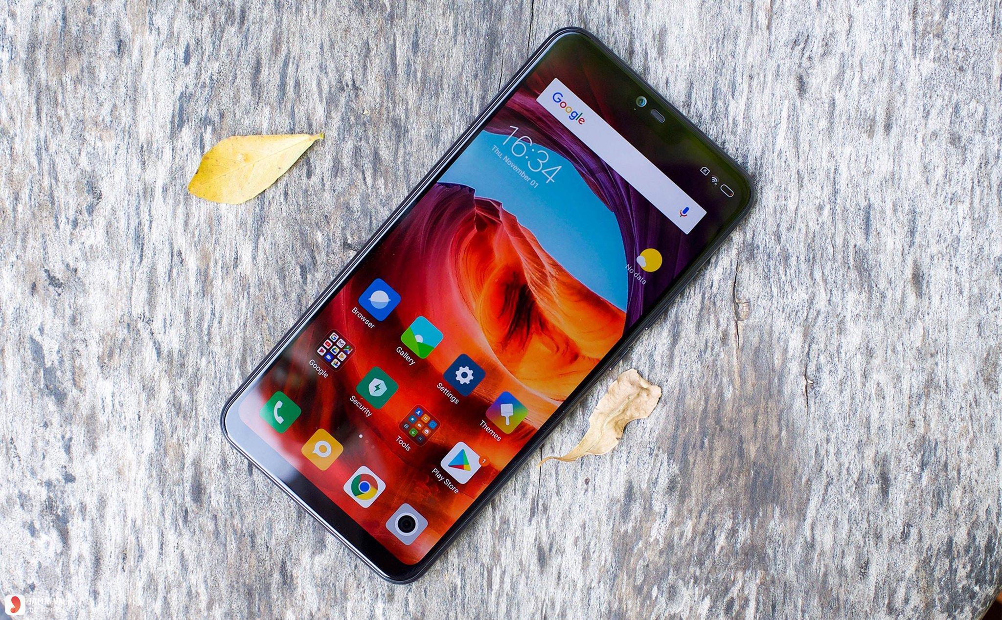 Xiaomi Mi 8 Lite (4GB / 64GB) 1