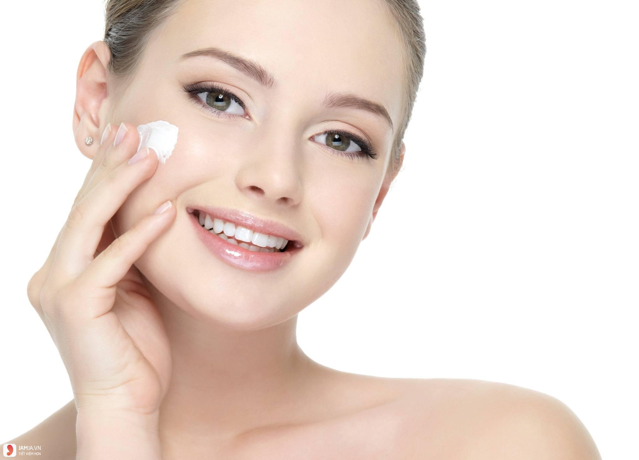 kem dưỡng ẩm cho da có tác dụng gì