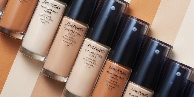 Kem nền ShiseidoSynchro Skin GlowLuminizing Fluid Foundation