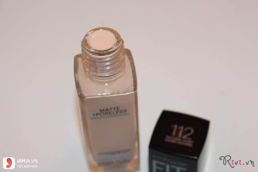 Maybelline Fit Me Matte + Poreless Foundation thiết kế
