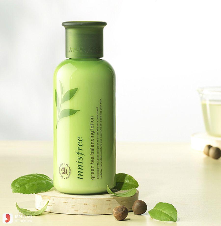 Ưu điểmInnisfree Green Tea Balancing Skin2