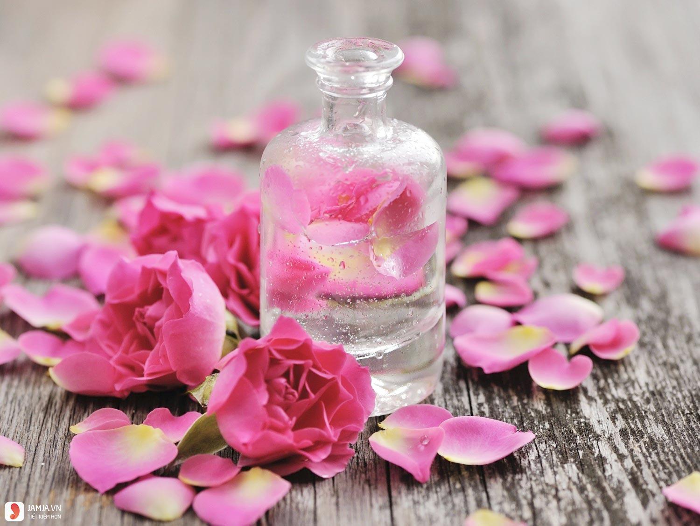 Vì sao phải dùng nước hoa hồng 1