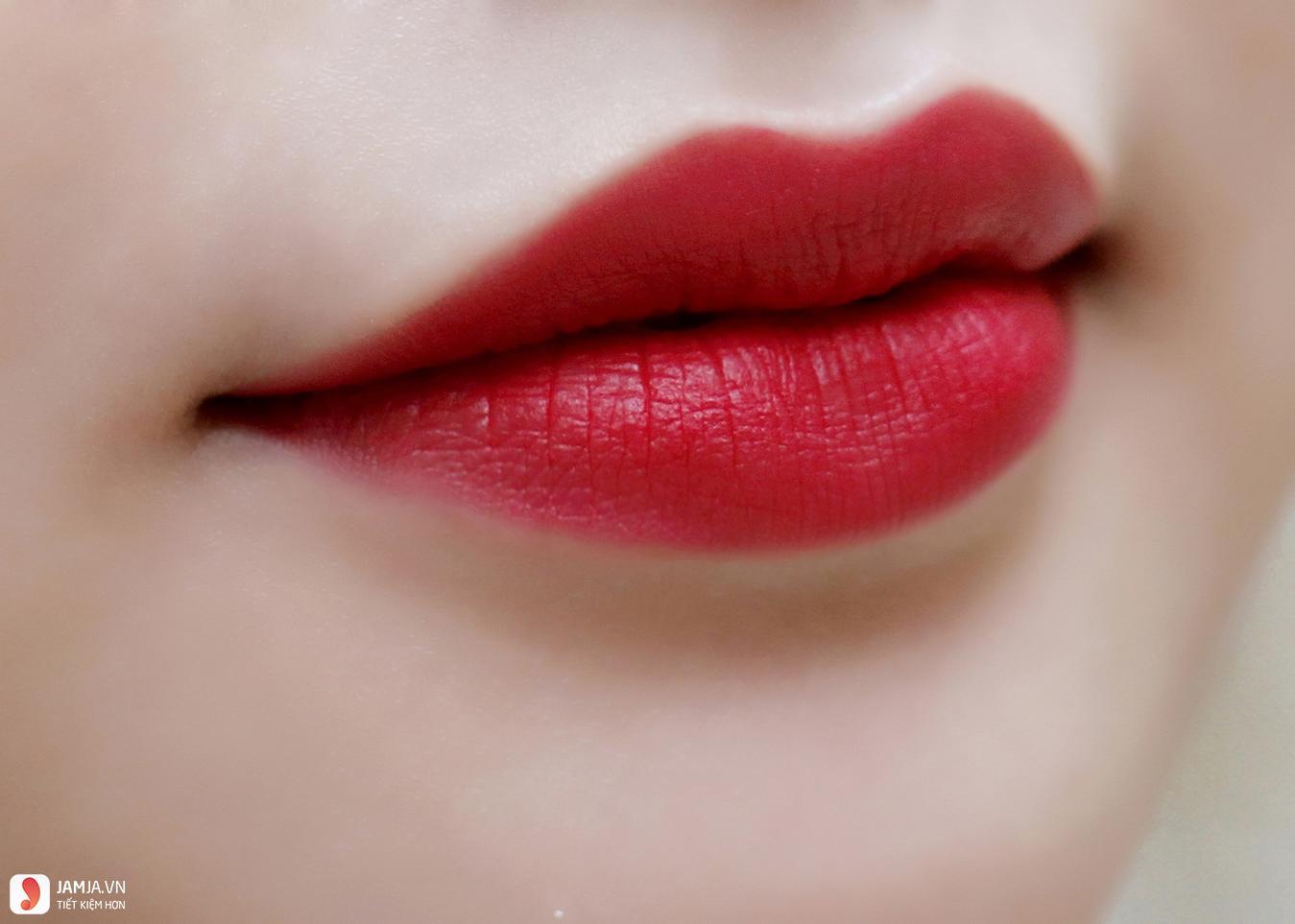 Farmasi True Color Lipstick màu 09 Red Extreme