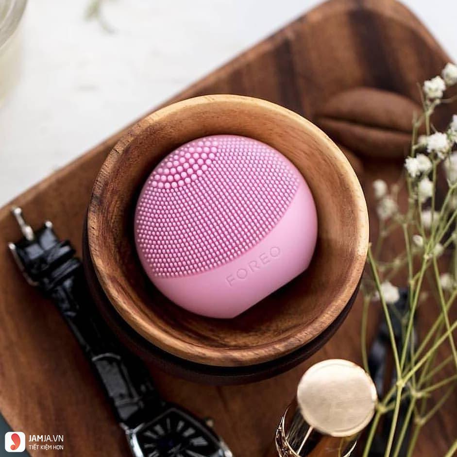 Foreo Luna Play The Tiny But Mighty Sonic Face Cleanser