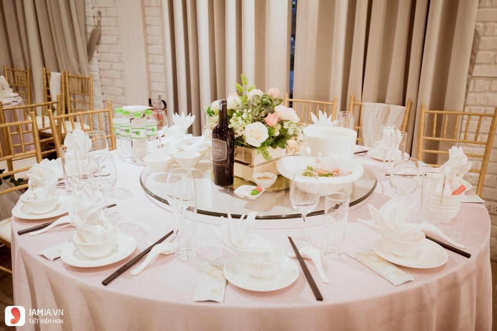 hình ảnh bàn ăn trống đồng palace
