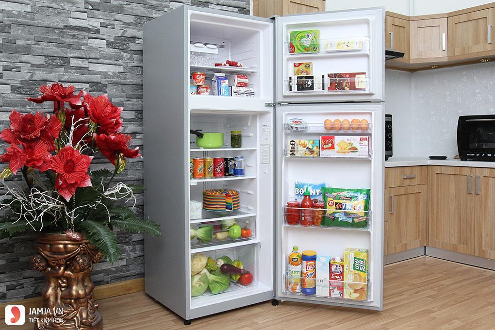 Bên trong tủ lạnh Hitachi Inverter 290 lít R-H350PGV4