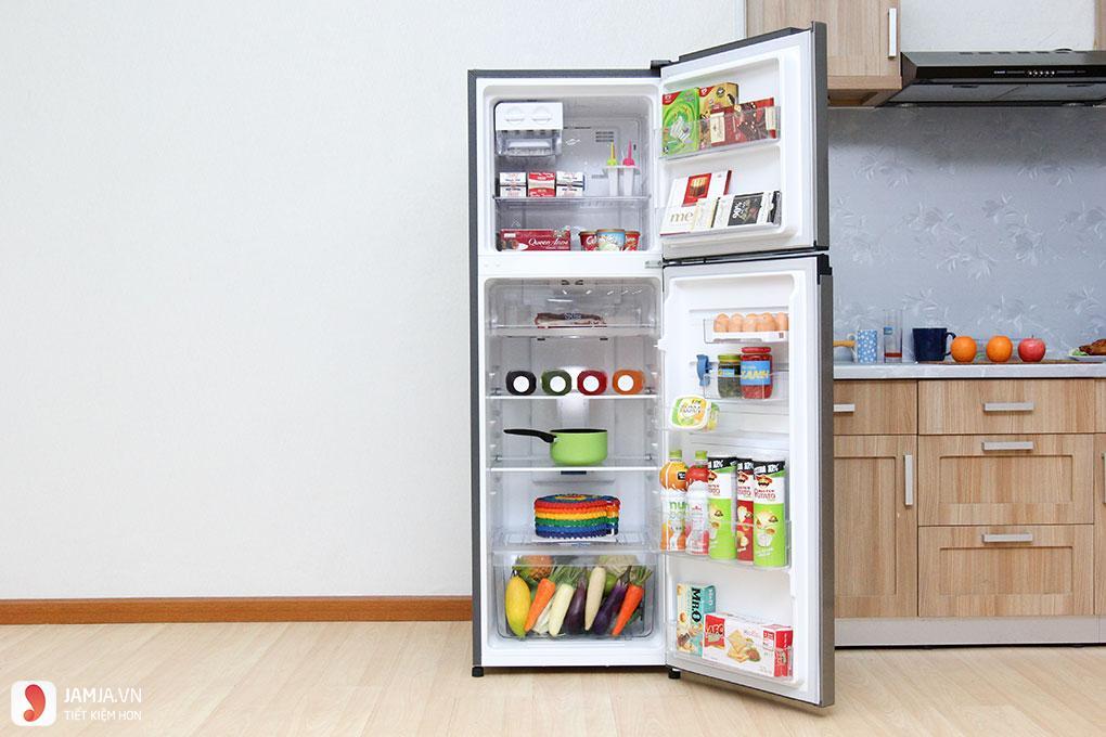 Bên trong tủ lạnh Inverter Electrolux 254 lít ETB2600MG