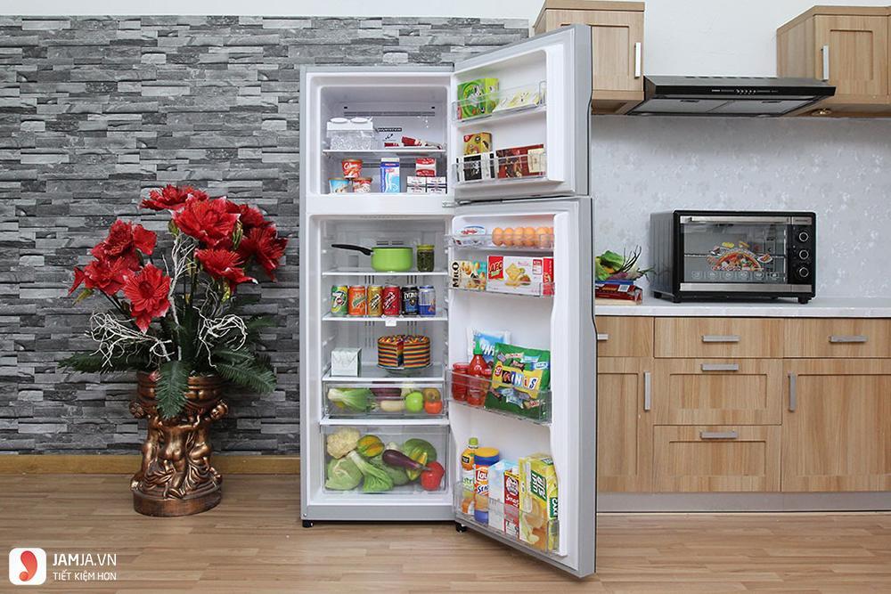 Bên trong tủ lạnh Inverter Hitachi 290 lít R-H350PGV4-IX
