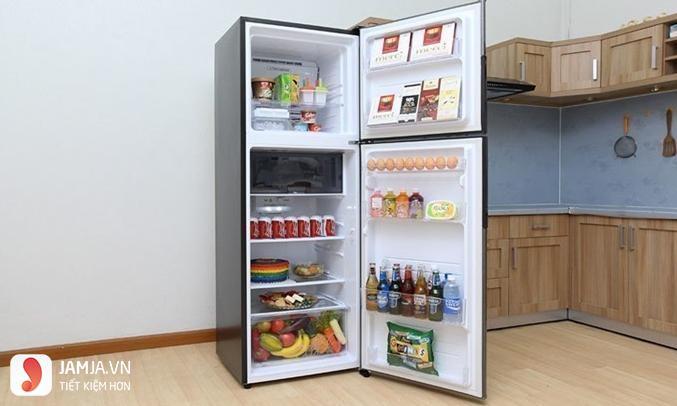 Bên trong tủ lạnh Inverter Sharp 287 lít SJ-X316E-DS