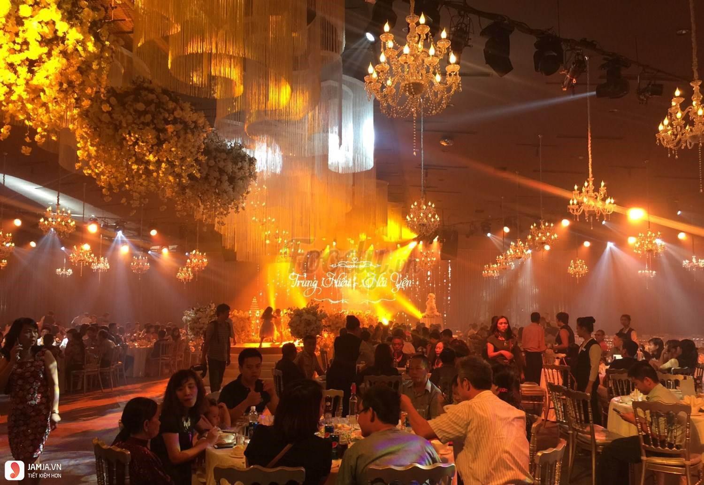 Nhà hàng Long Vĩ Palace