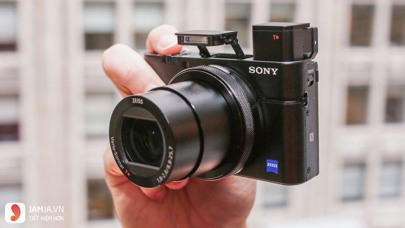 Máy ảnh du lịch Sony
