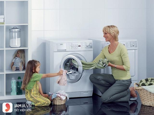 Máy giặt Hitachi cửa ngang