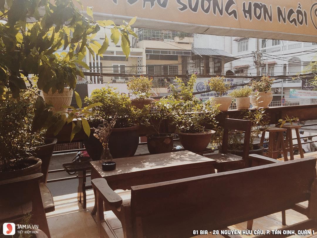 Cửa Hàng Cafe 81 không gian