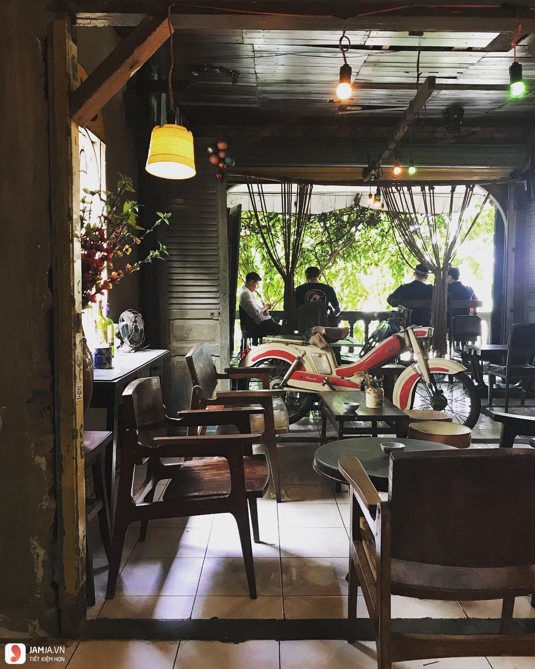 Lão Hạc Quán - Beer & Cafe không gian