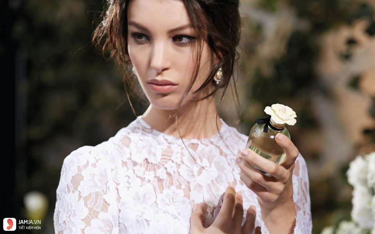 Lưu ý gì khi sử dụng nước hoa
