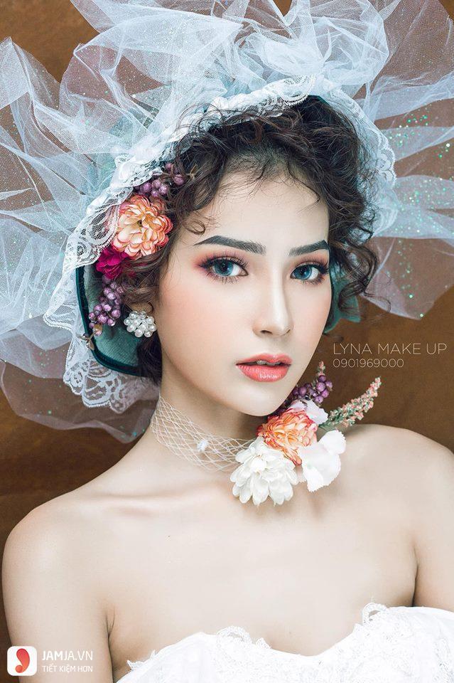 Lyna Makeup 1
