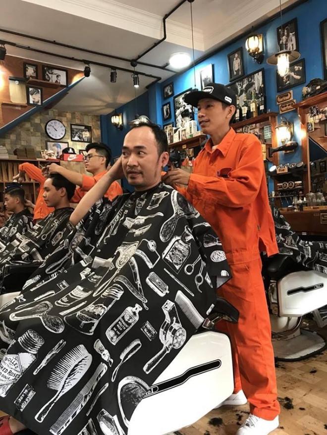 Đông Tây Barbershop 1