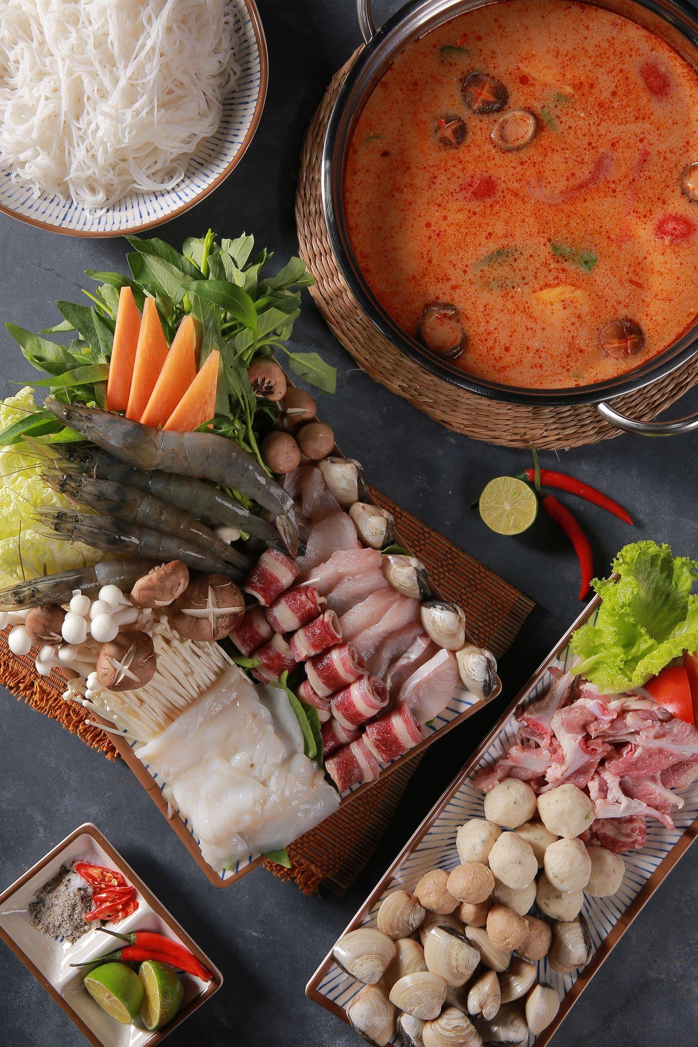 lẩu Thái chua cay Lạc quán