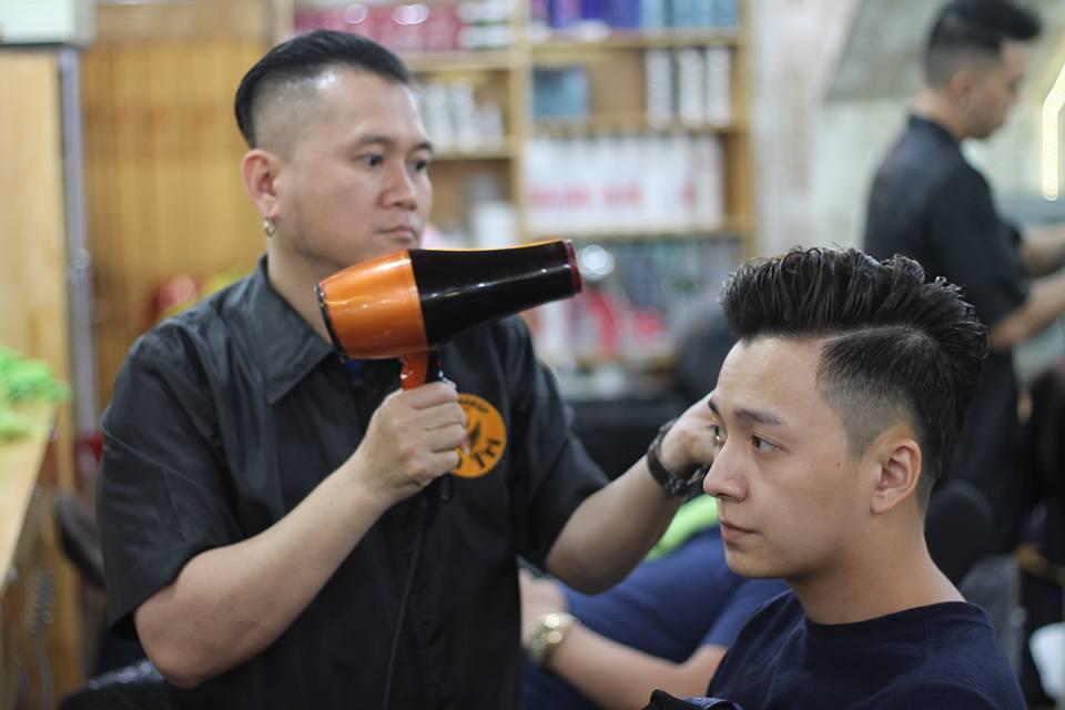 Tiệm Barber Shop Vũ Trí 3
