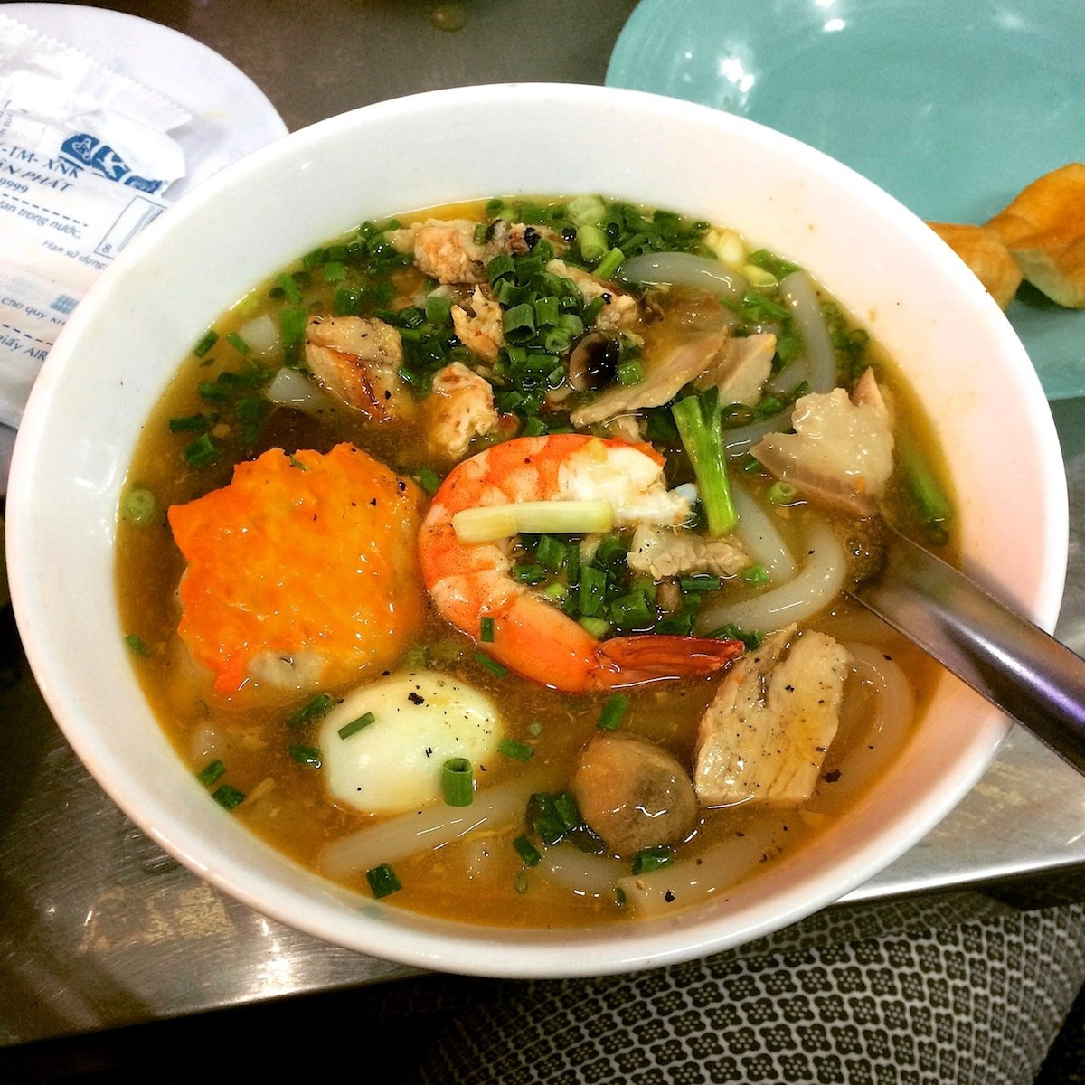 Bánh canh gánh vỉa hè Nguyễn Thái Học 1