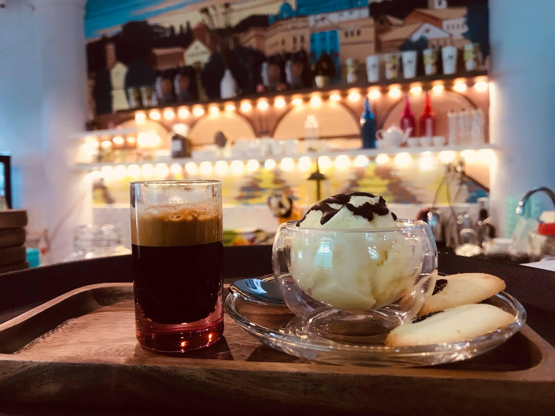 Bianco CAFFE Affogato