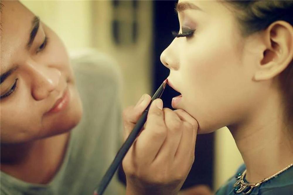 Cao Tuấn Đạt Makeup Artish dùng mỹ phẩm tốt