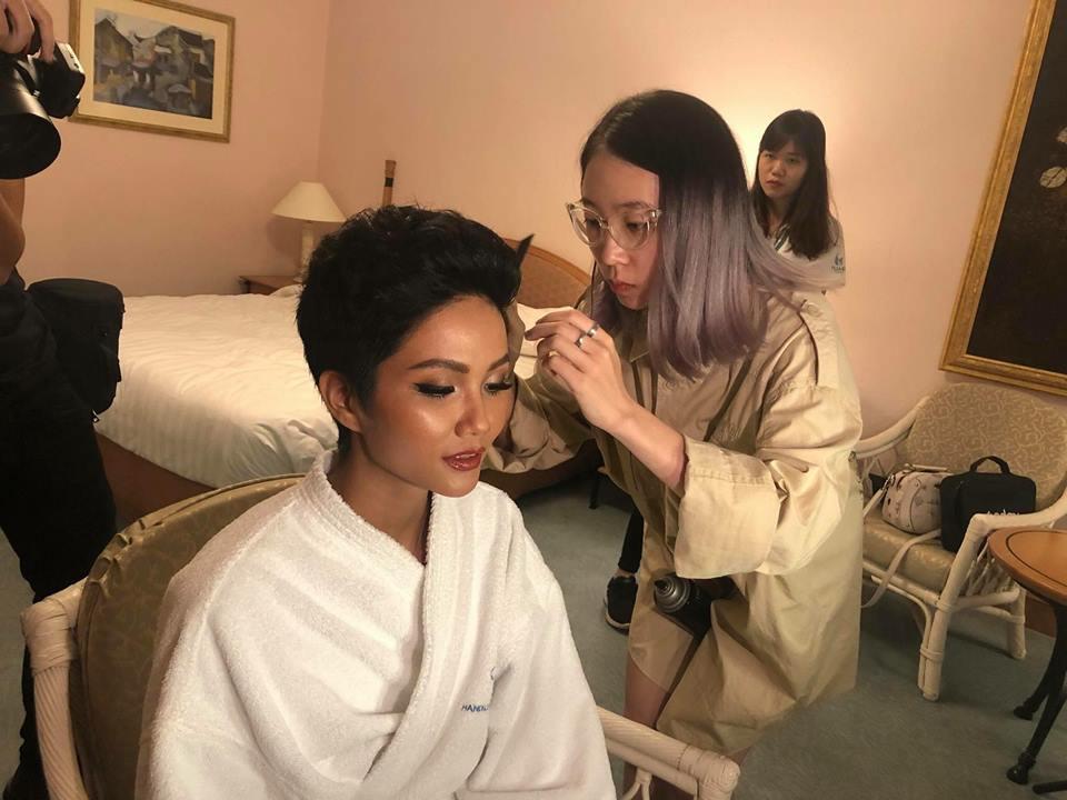 hoa hậu trang điểm tại Cao Tuấn Đạt Makeup Artish