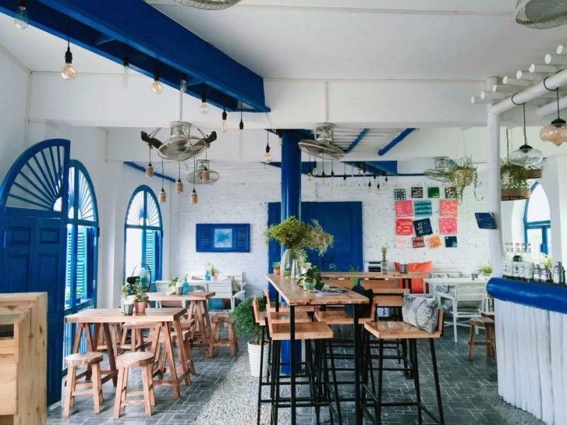không gian Santorini Vibes Cafe