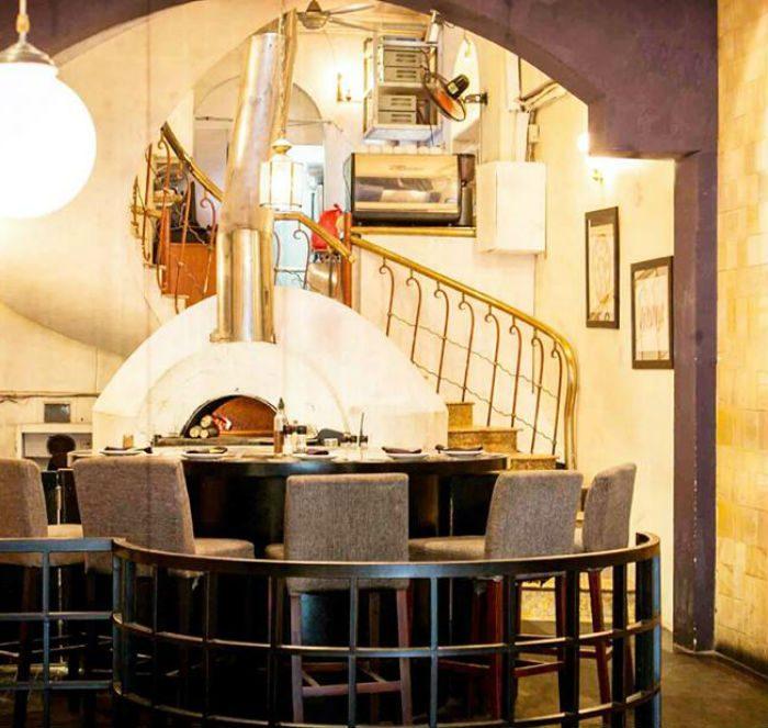không gian quán Pizza 4P's ảnh4