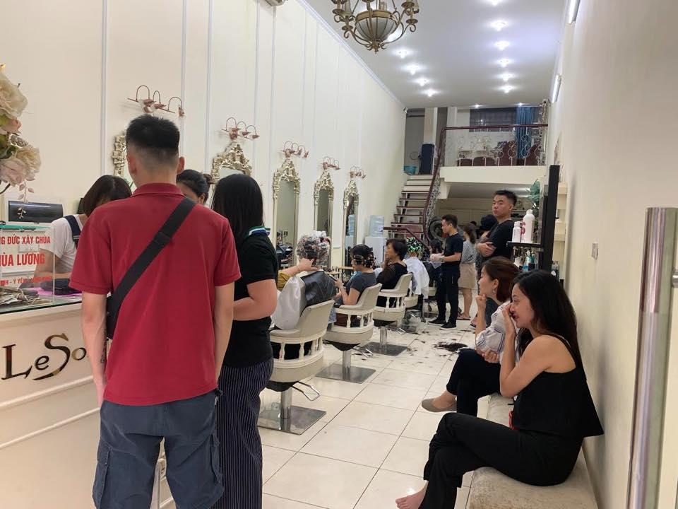 không gian tại salon Le Soliel Hair