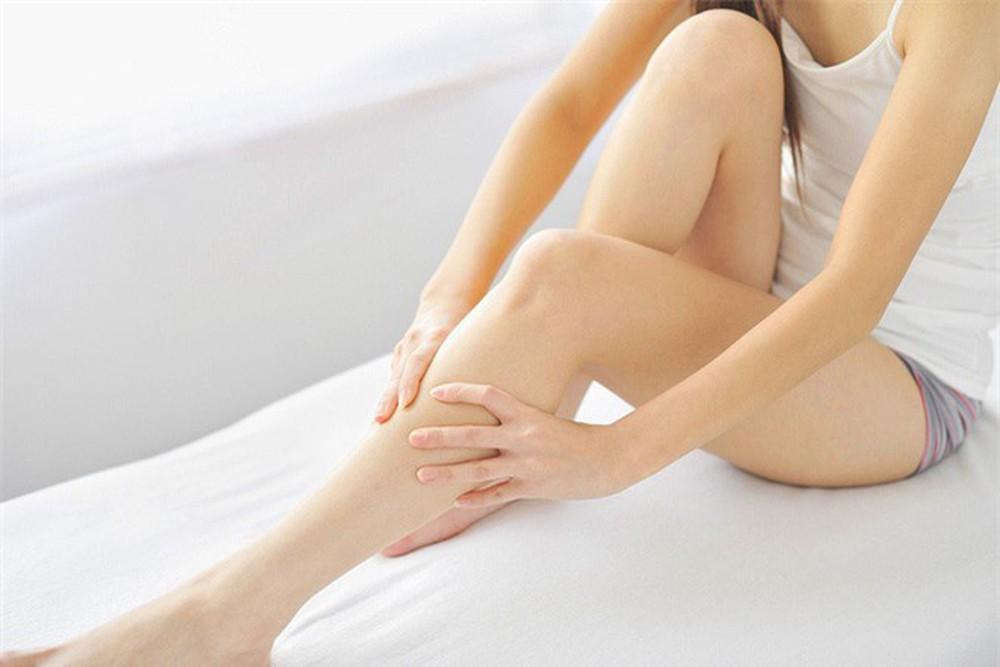 Massage cho eo và chân thon thả