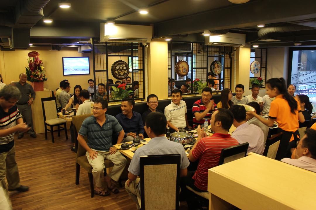 Nhà hàng Isteam phục vụ