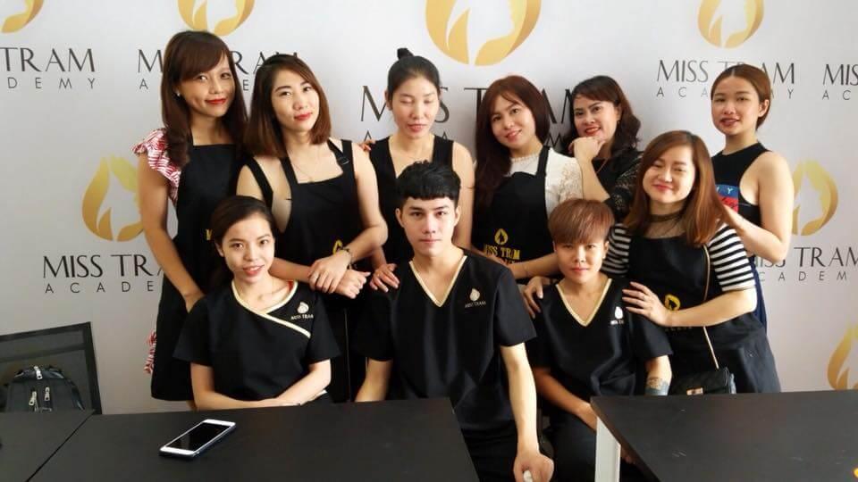 nhân viên tại Miss Tram natural beauty center