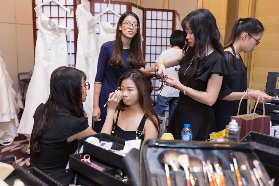 nhân viên trang điểm tại nhà trangsun makeup