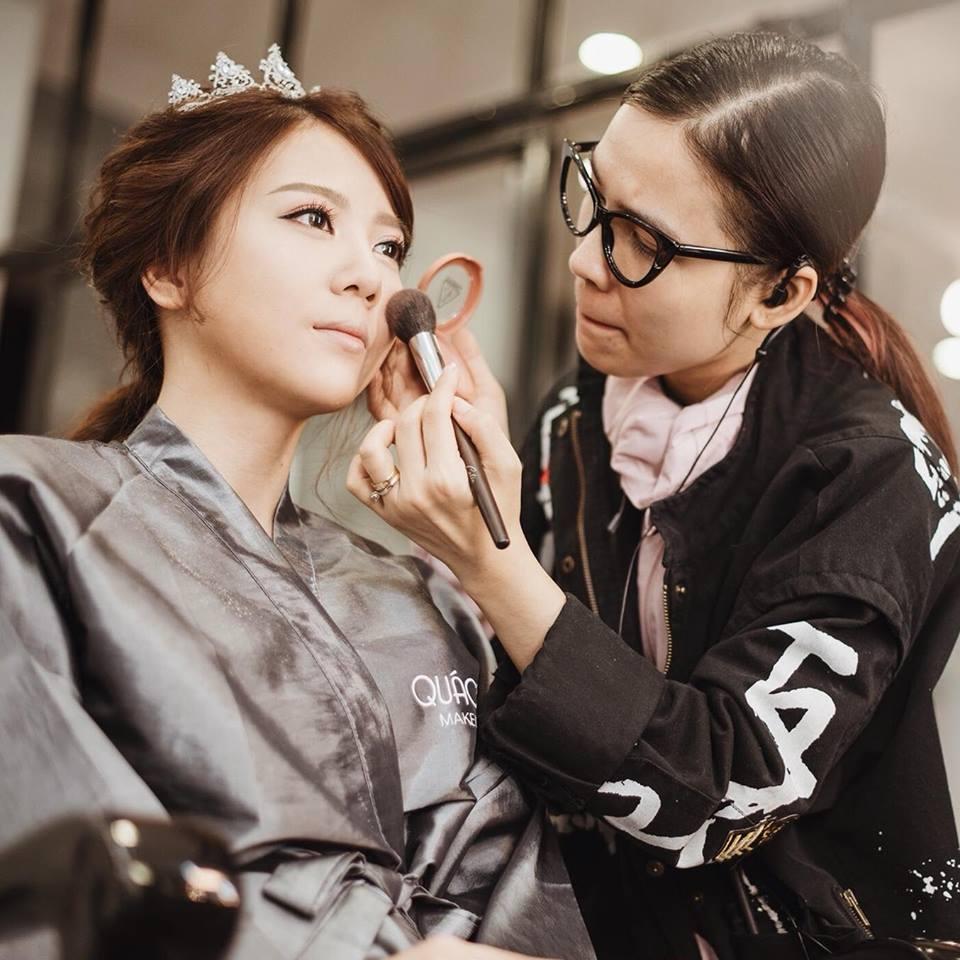 nhân viên trang điểm Quách Ánh Makeup