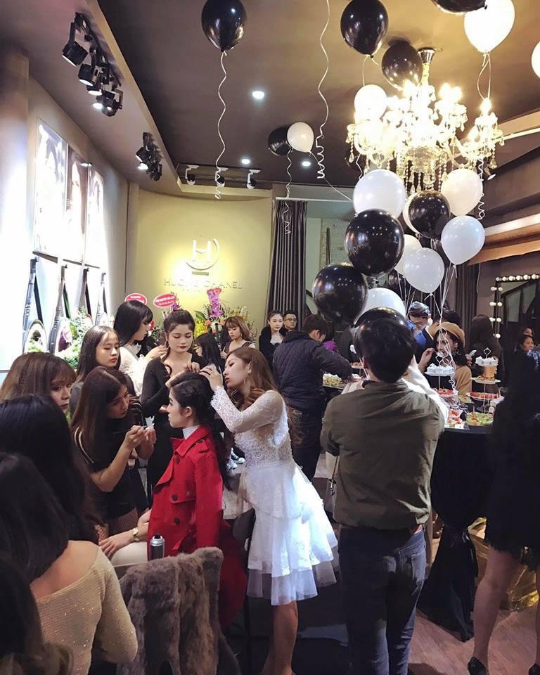 phòng trang điểm Makeup Hương Chanel 1