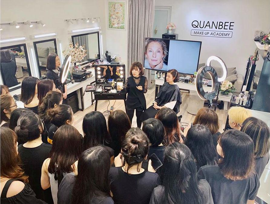 phòng trang điểm trang điểm Quanbee Make-Up 1