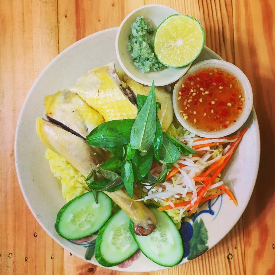 Cơm Gà Phú Yên Rơm món ăn