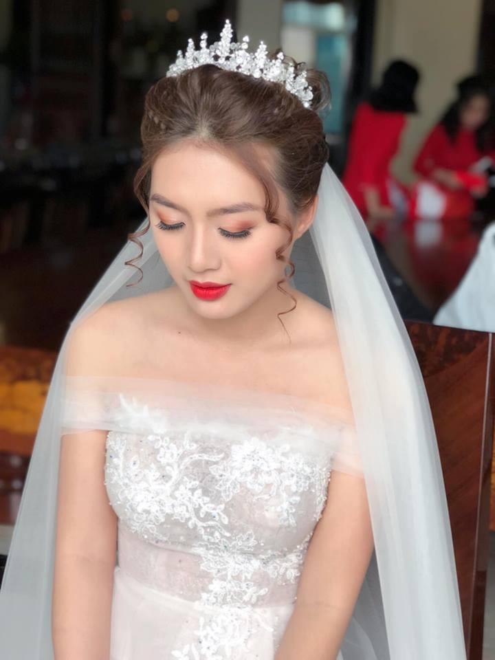 trang điểm cô dâu Linh Killdy Makeup Store 2