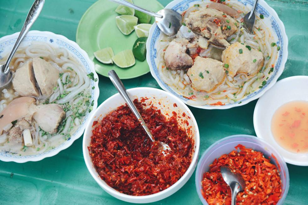 Bánh canh bò viên Nguyễn Văn Nguyễn địa chỉ