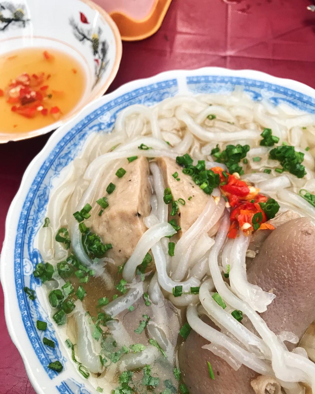 Bánh canh bò viên Nguyễn Văn Nguyễn review