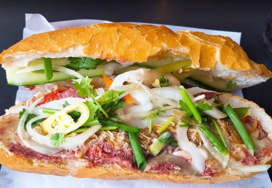 Bánh mỳ Huỳnh Hoa review