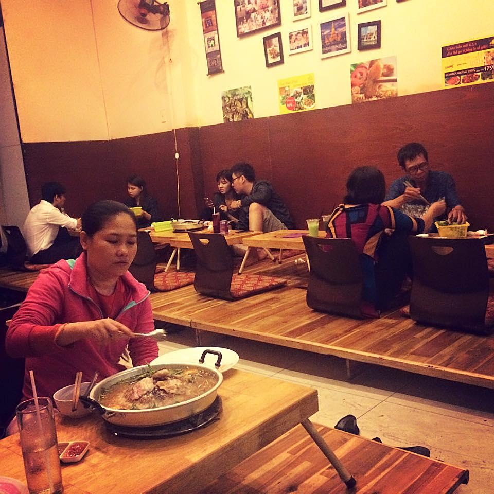 khách đến quán Sindat Thái