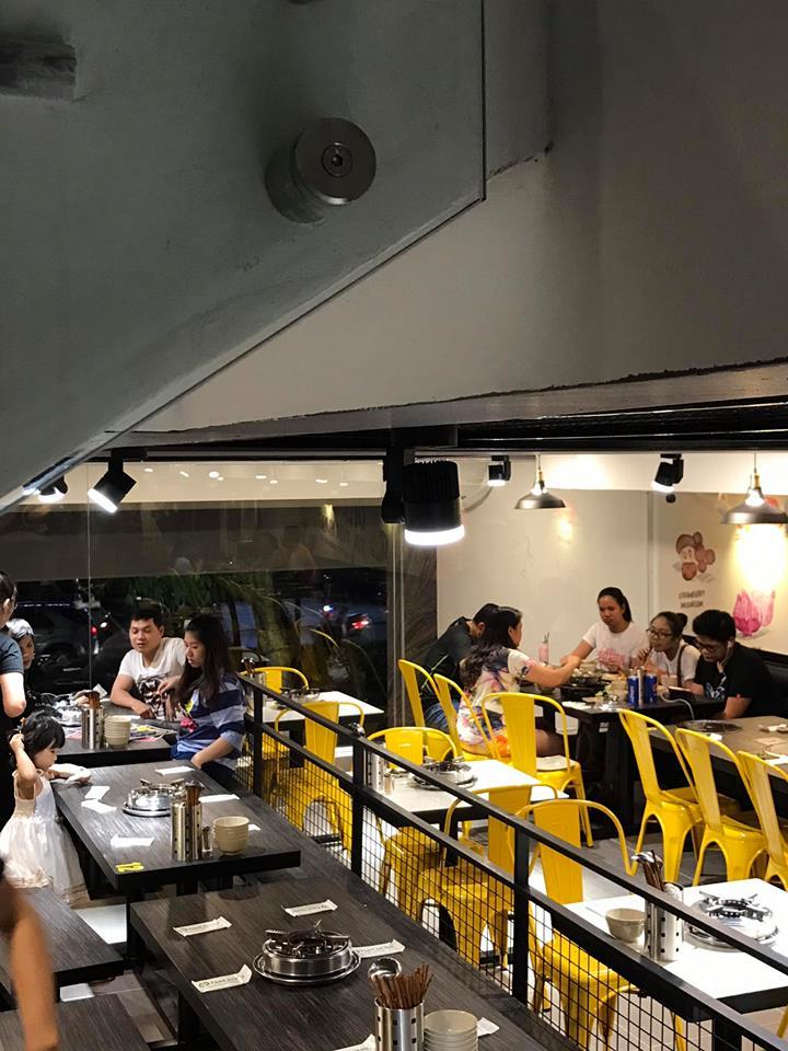 không gian quán Food House ảnh2